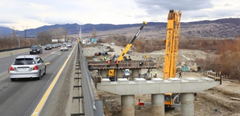 Construction of New Bridge on the River Qsani Begins
